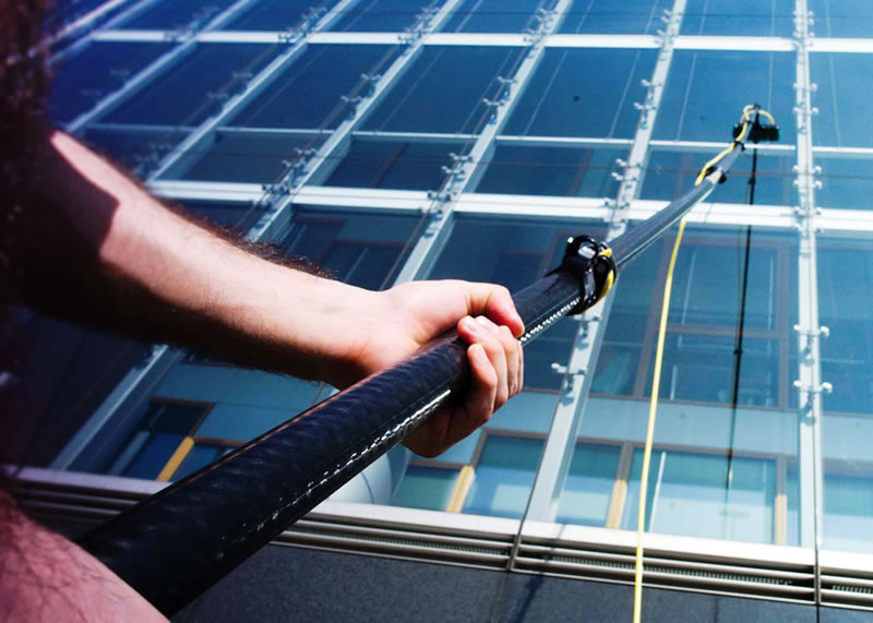 wirral clear shine pole fed window cleaning2